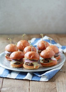 Spicy-Black-Bean-Sliders-with-Chipotle-Mayo-2